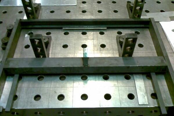 constructie03081C1100D-7CBA-FC5D-4DF1-7242A5A4CC81.jpg